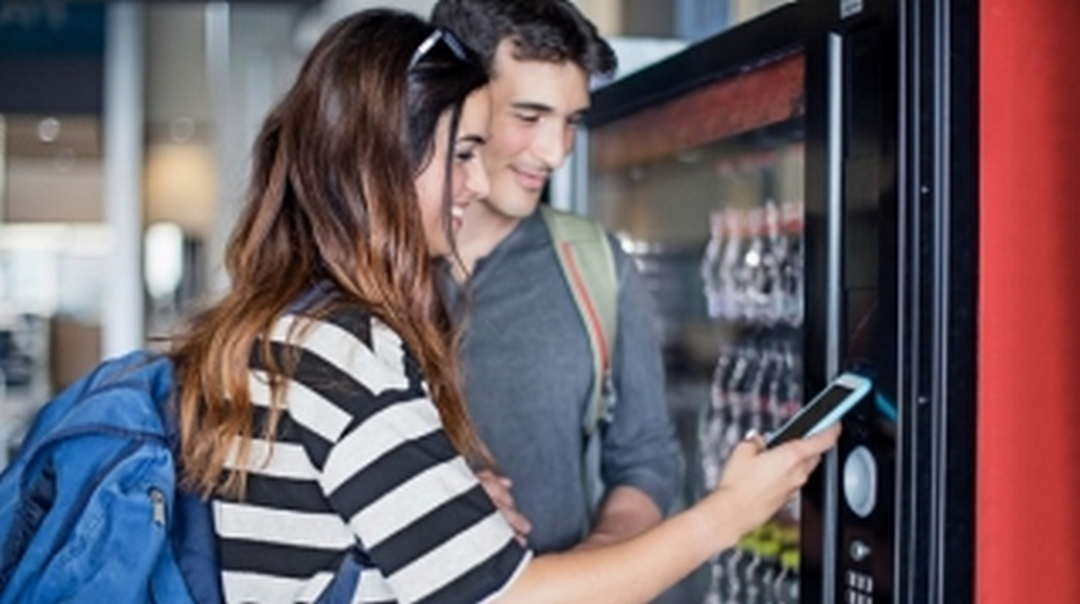 Ristoaffari: nuova generazione banchi frigo, controllo smart
